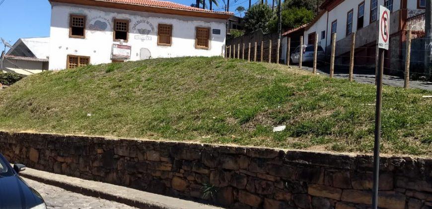 COD: 026 – Lote à venda no Centro de Diamantina ao lado da casa da Chica da Silva