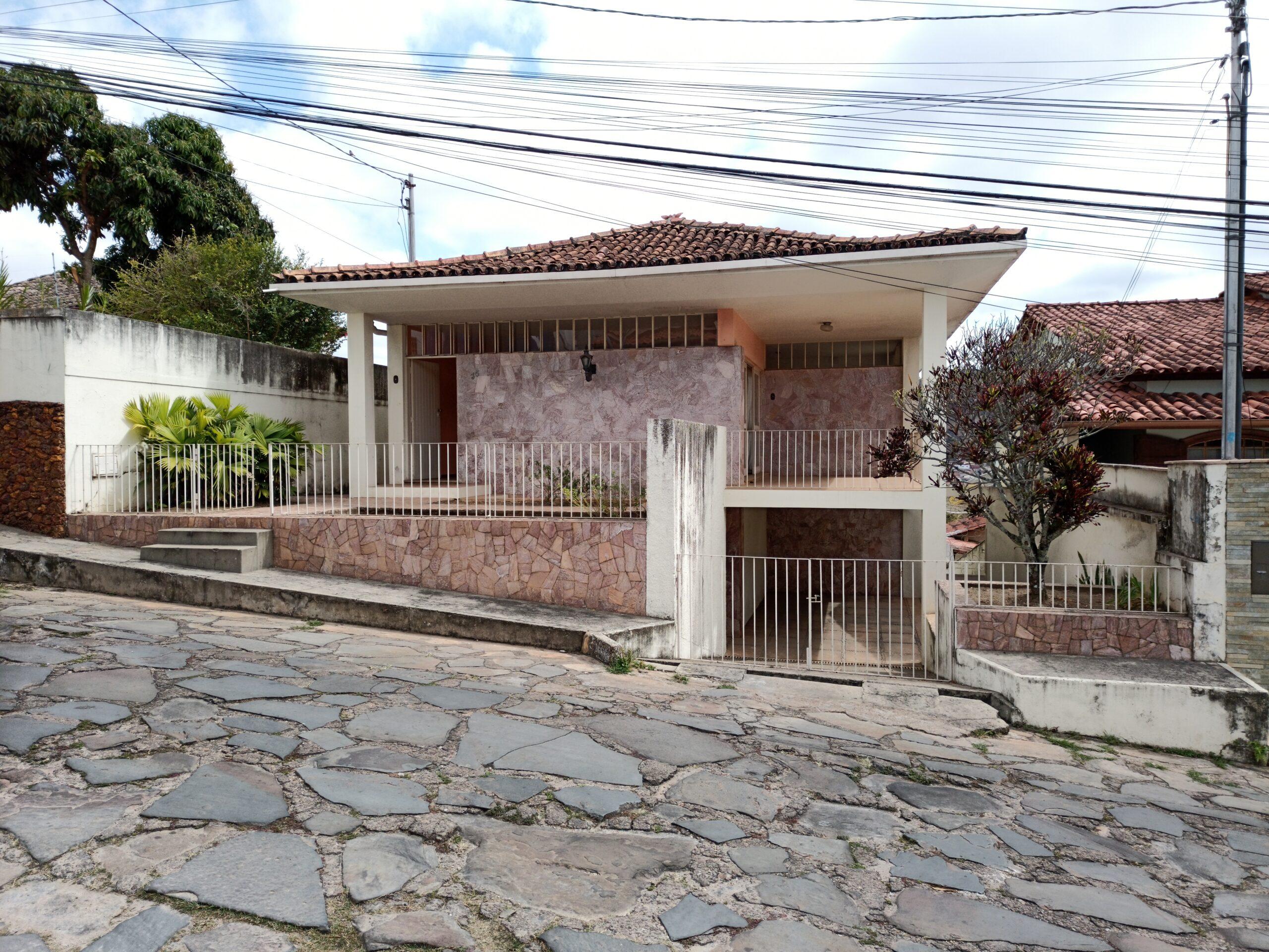 COD: 031 – Casa à Venda- Bairro Jardim – Diamantina